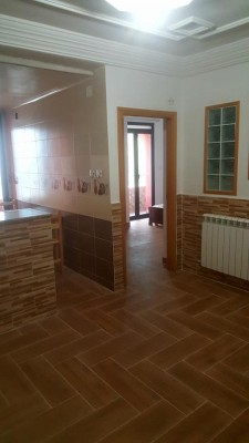1952_Location appartement f2-f3-f4 à Bejaia, Quatre chemins.jpg
